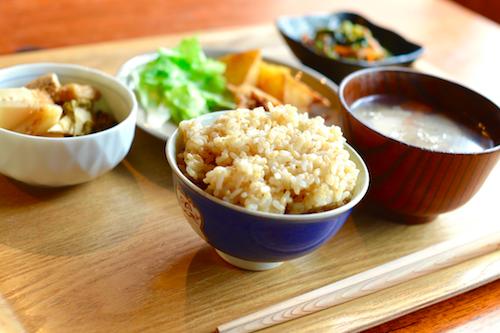 玄米を美味しく炊くためのたった2つのコツ【簡単】